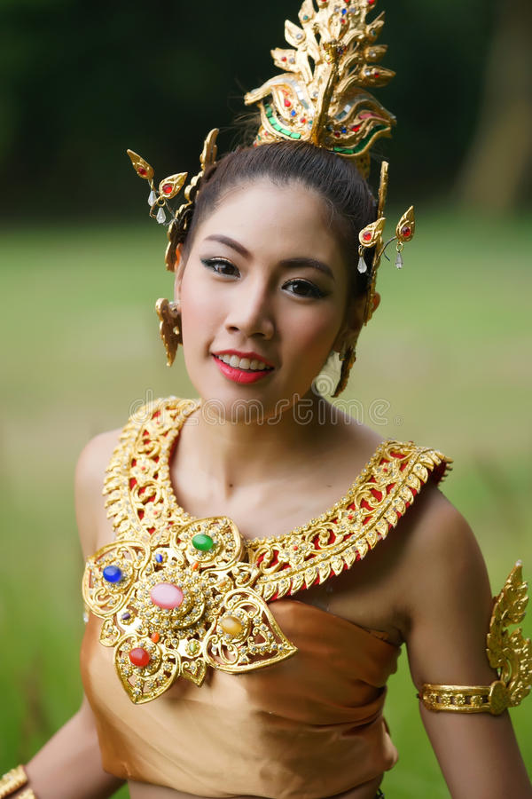 Download Beautiful Thai Lady In Thai Traditional Drama Dress Stock Photo - Image of dancer, luxury: 33598578