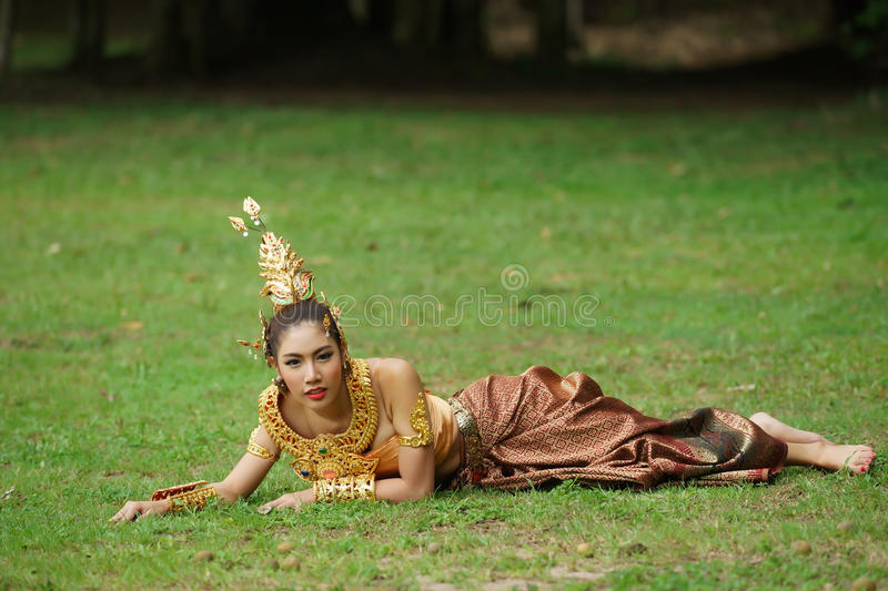 Download Beautiful Thai Lady In Thai Traditional Drama Dress Royalty Free Stock Images - Image: 33598859