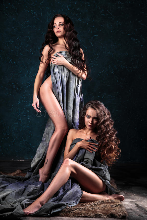 hung-tgirl-young-naked-girls-twins-nude-women-hot