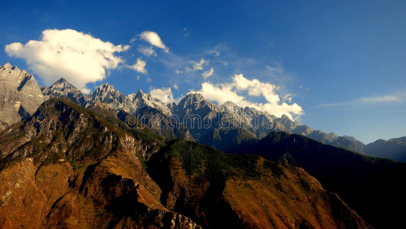 Beautiful view of mountain scenery at Tiger Leaping Gorge in Yunnan royalty free stock image