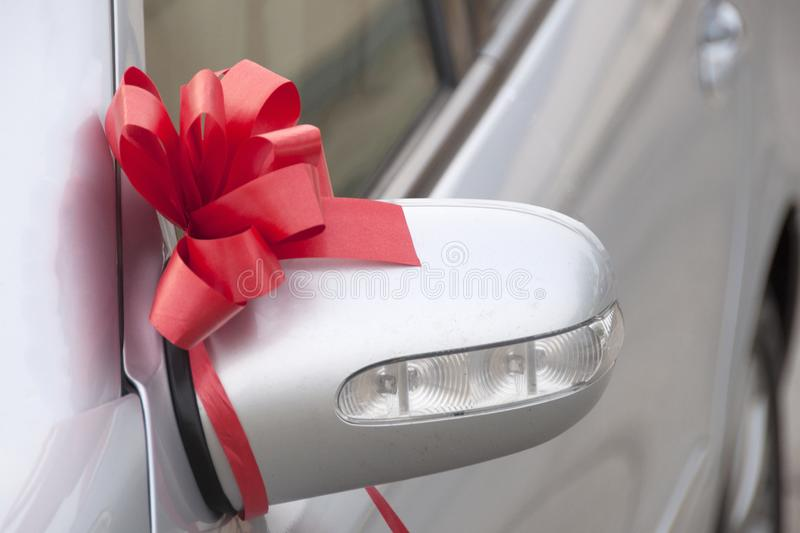 Beautiful white wedding car decoration element close-upÑŽ royalty free stock photo