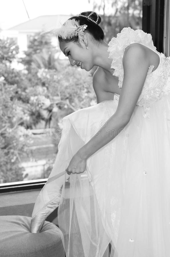 Free Beautiful Woman In White Gown Of The Bride Dance Royalty Free Stock Photo - 28326945