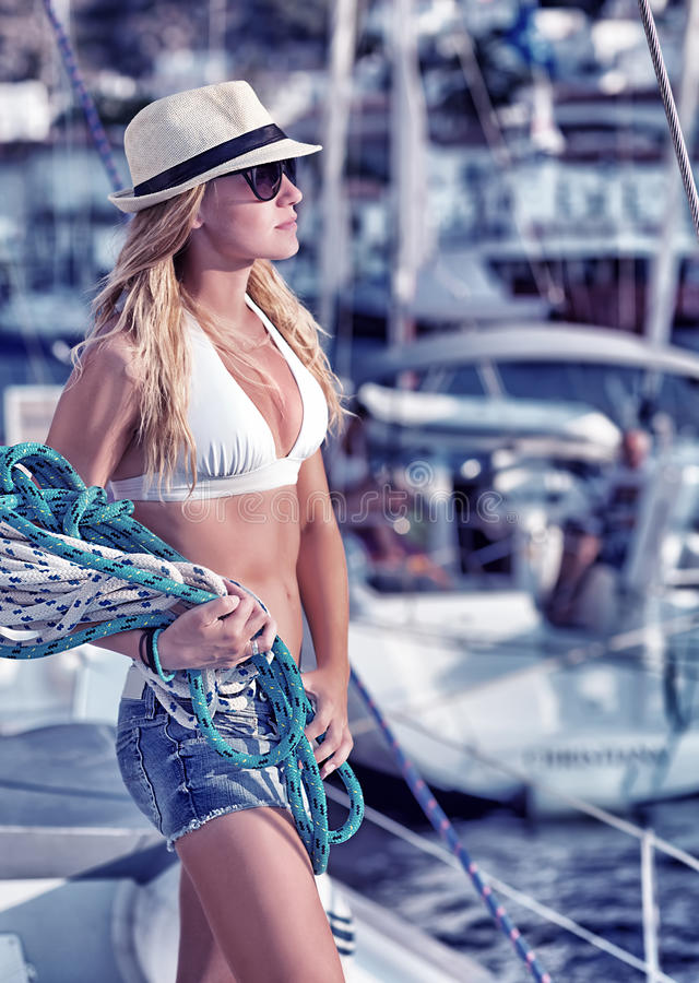 Free Beautiful Woman On The Sailboat Royalty Free Stock Images - 45437769
