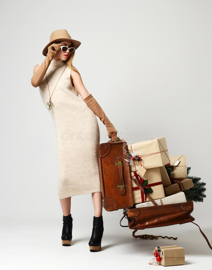 Retro Woman With Big Sunglasses Stock Image - Image Of Fashion, Hippie 24778463-5768