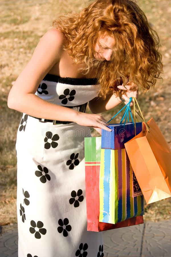 Free Beautiful Woman With Shopping Bags Stock Images - 8115184