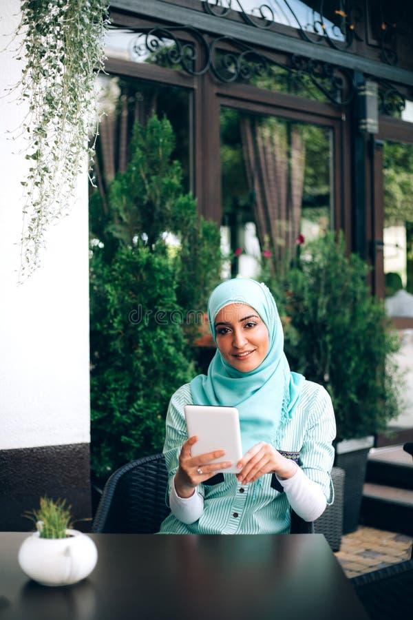 Chica árabe en la leva