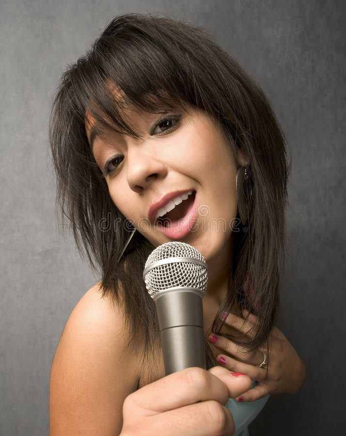 Free Beautiful Young Singer Royalty Free Stock Photography - 8292497