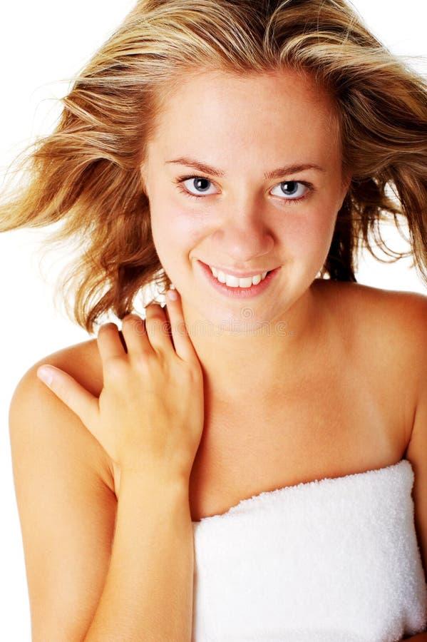Download Beautiful Young Spa Vrouw Op Wit Stock Afbeelding - Afbeelding bestaande uit persoon, gelukkig: 10783939