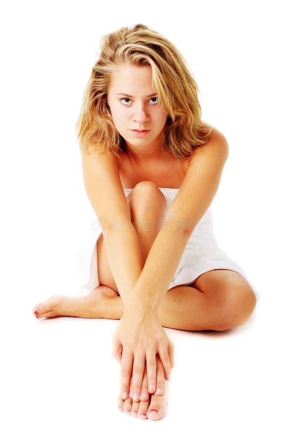Download Beautiful Young Spa Vrouw Op Wit Stock Foto - Afbeelding bestaande uit massaging, up: 10783978