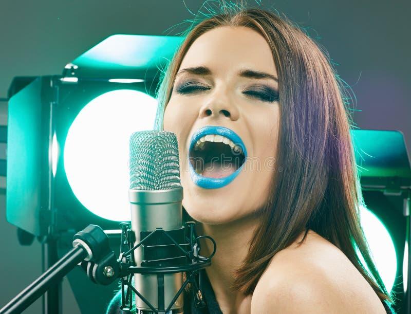 Teen girls favorite female singer — img 10