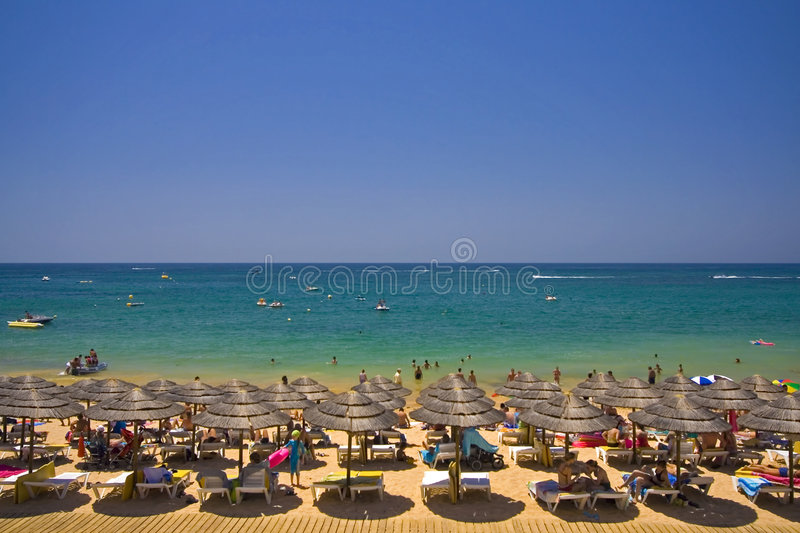 Download Beautifull Crowded Beach Royalty Free Stock Photos - Image: 2910408
