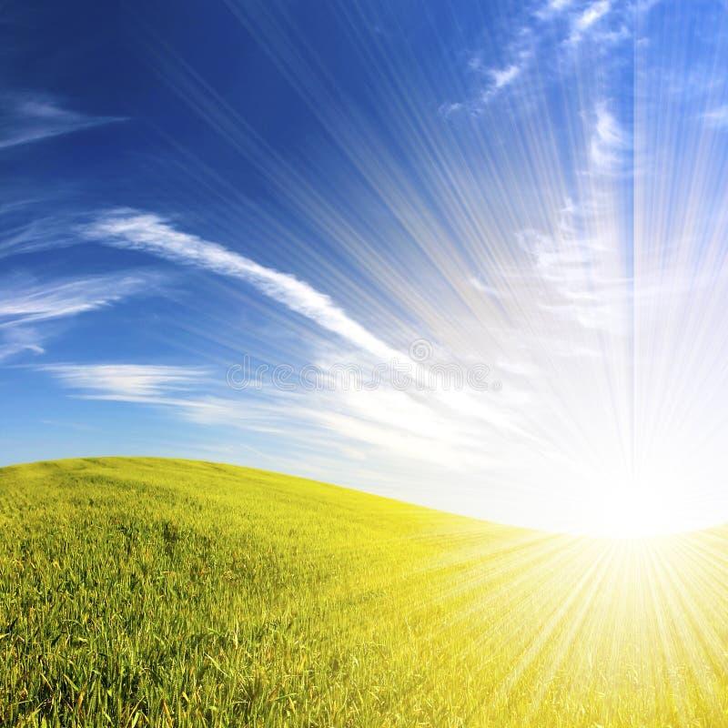 Beautifull Landschaft mit Sunrays lizenzfreie stockfotografie