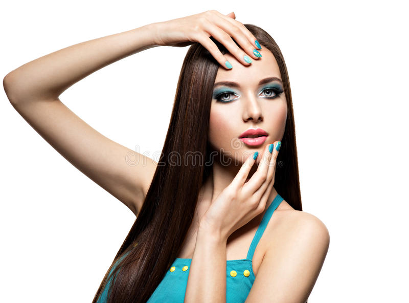 Beautiul有绿松石构成和钉子的时尚妇女 库存图片