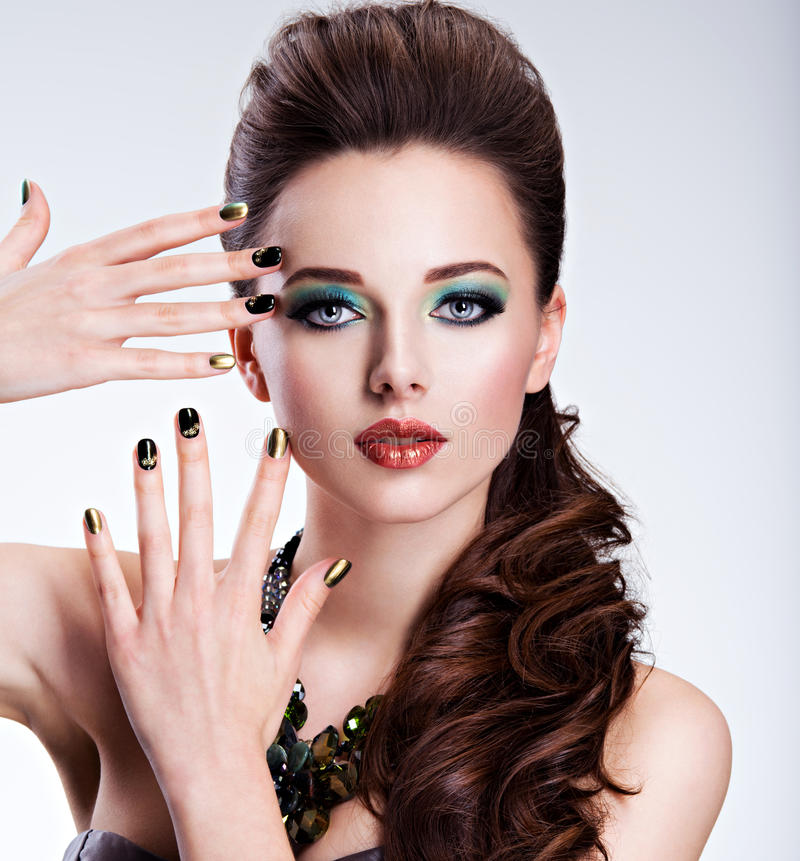 Kreative Wandgestaltung Mit Farbe: Auge, Farbe, Make-up, Gesicht, Farbemodus, Rot, Blau