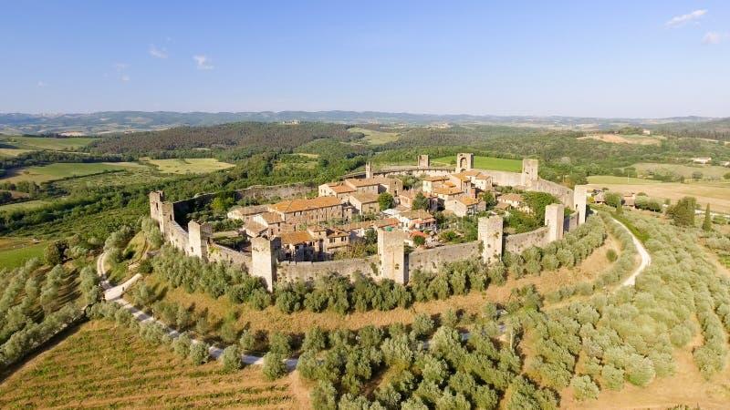 Beautiul-Vogelperspektive von Monteriggioni, mittelalterliche Stadt Toskana an stockbilder