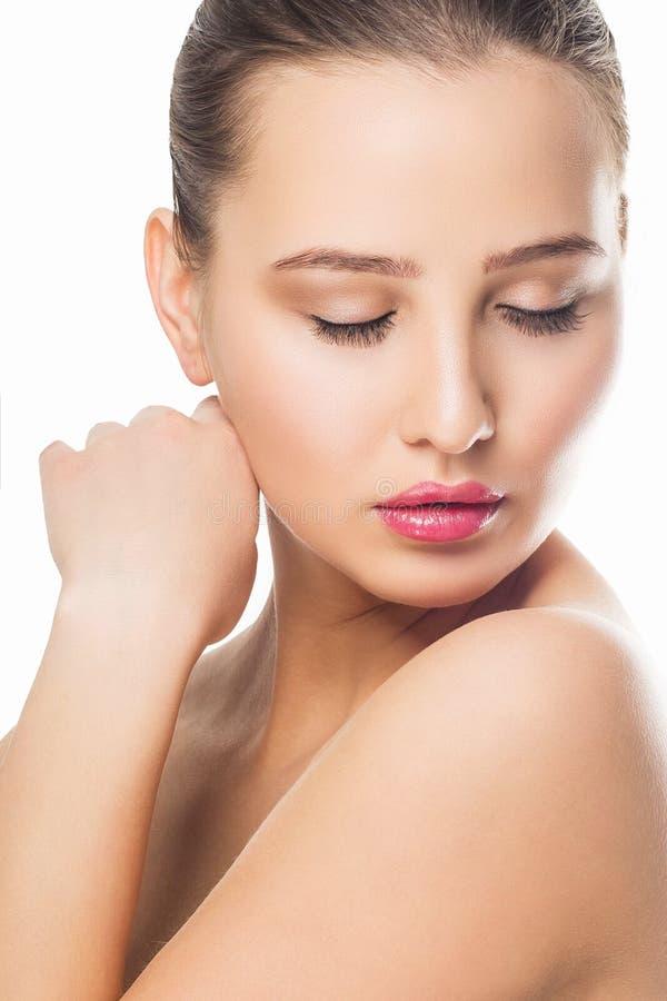 Beauty Spa Vrouw met perfect huidportret Mooi meisje die neer kijken stock foto
