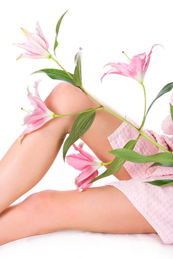 Free Beauty Woman Legs With Pink Lily Royalty Free Stock Image - 1992346