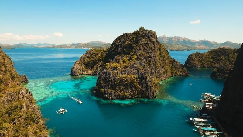 Beautyful盐水湖在Kayangan湖,菲律宾, Coron,巴拉望岛 库存图片