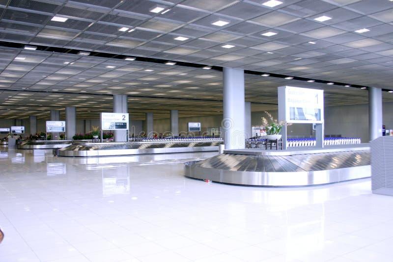Download Beautyful en el aeropuerto foto de archivo. Imagen de gente - 1292720