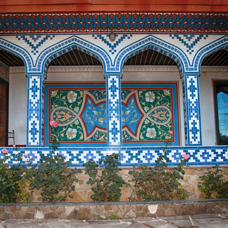 Beautyful mozaiki łuku wejście języka arabskiego dom obrazy royalty free