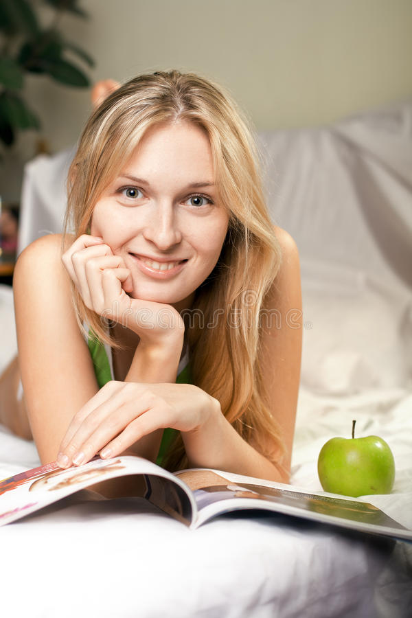 Download Beautyful Woman With Green Apple Stock Images - Image: 17857554