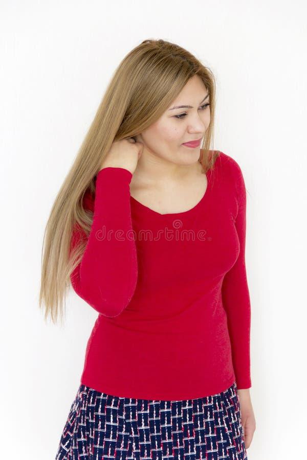 Beautyl-Mädchen mit langem gesundem geradem Brown-Haar lizenzfreie stockfotografie