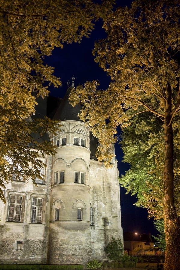 Beauvais (Picardie) par nuit photo libre de droits