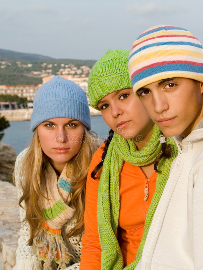 Beaux adolescents de groupe images libres de droits