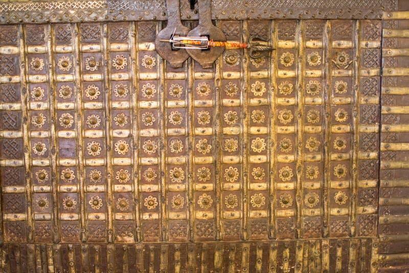 Beaux coffres ou rayure de boîte et brune antique image stock