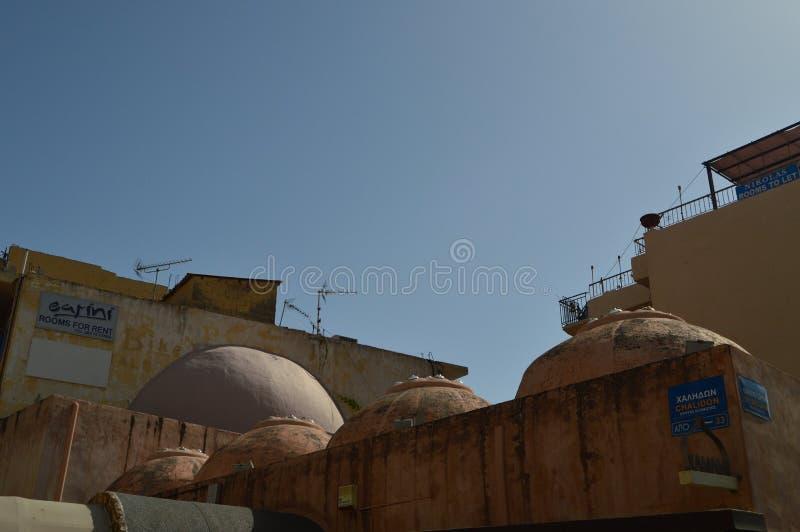 Beaux, colorés et sautés toits typiques de Chania Voyage d'architecture d'histoire image stock