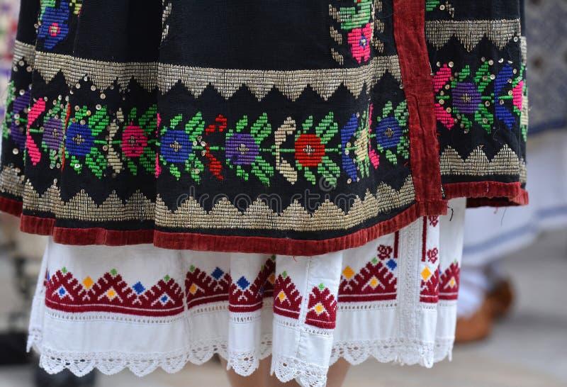 Beaux costumes roumains traditionnels photos libres de droits