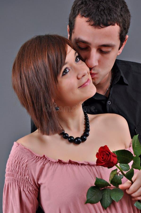 Beaux couples d'adolescent image libre de droits