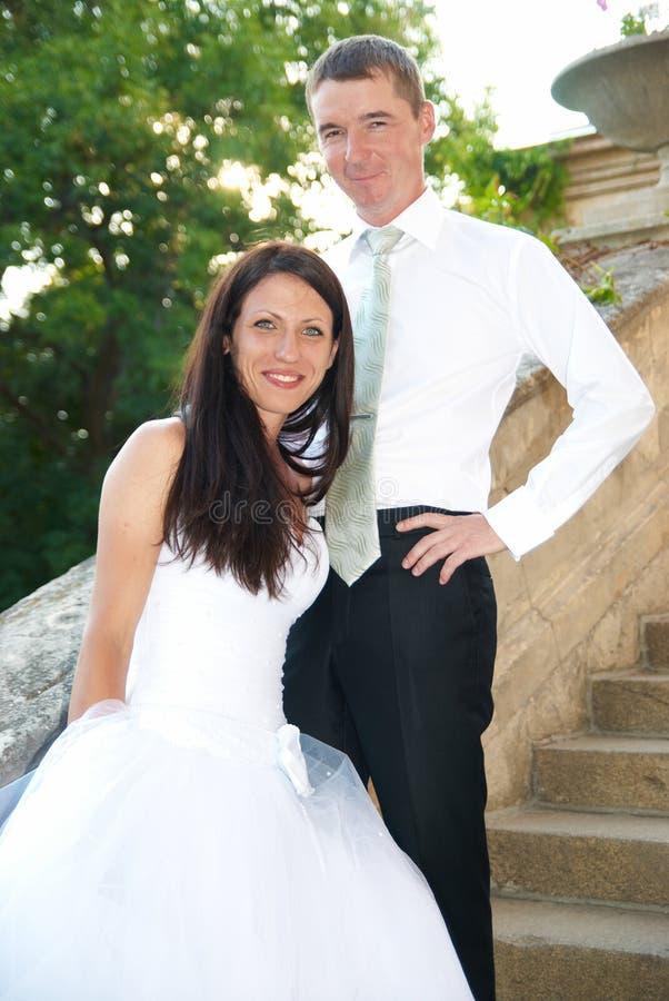 Beaux couples de mariage images libres de droits
