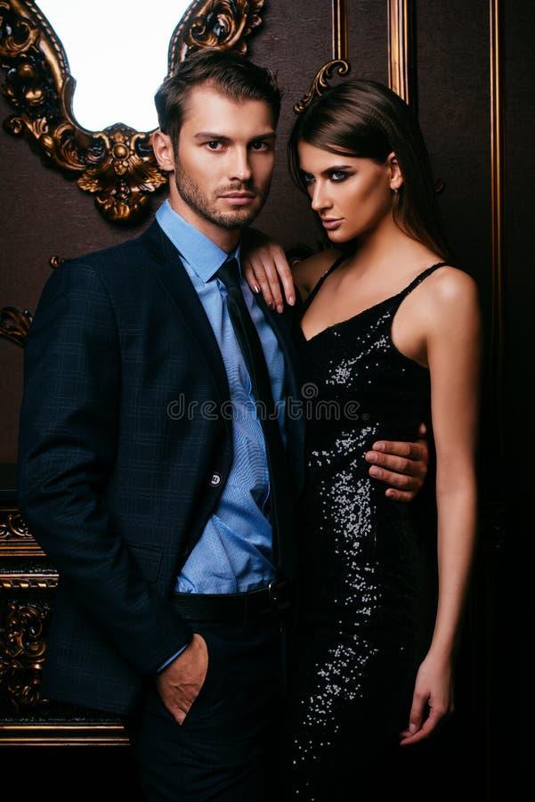 Beaux couples passionnés image libre de droits