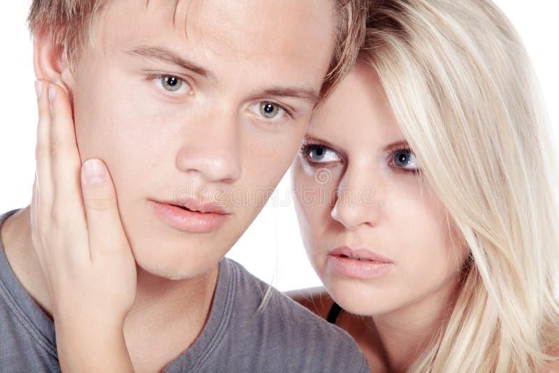 Beaux couples semblant sensuels photo libre de droits
