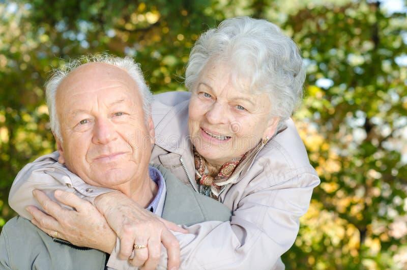 Beaux couples supérieurs photographie stock libre de droits