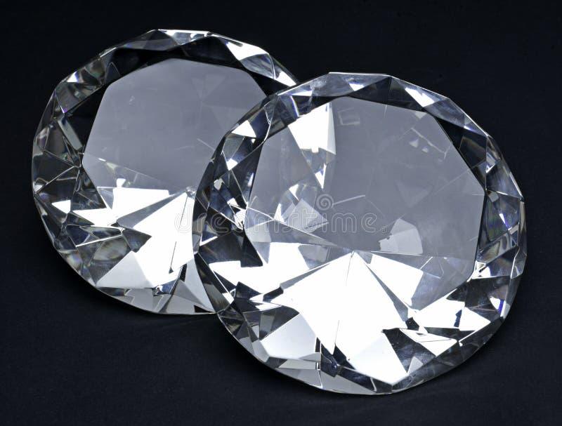 Beaux diamants brillants, d'isolement sur le fond blanc photographie stock libre de droits