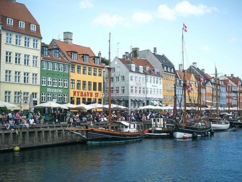 Beaux et colorés bâtiments dans Nyhavn photos libres de droits