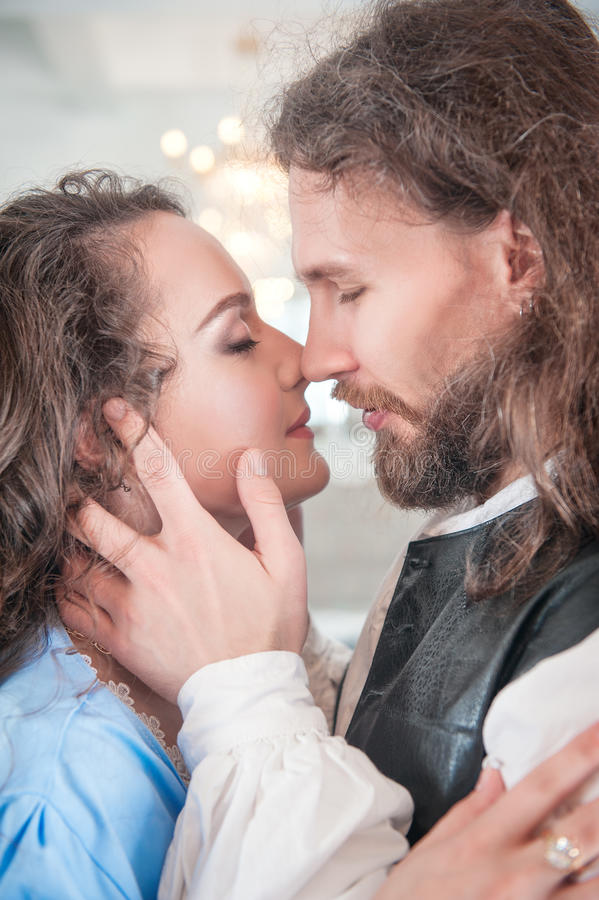 Beaux femme et homme passionnés de couples photographie stock libre de droits