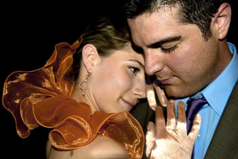 Beaux jeunes et attrayants couples photo libre de droits