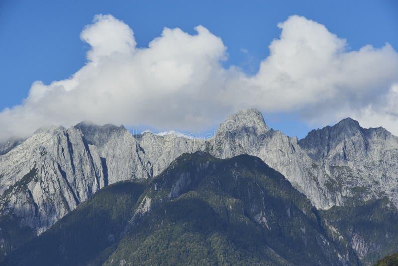 Beaux milieux des paysages naturels images libres de droits