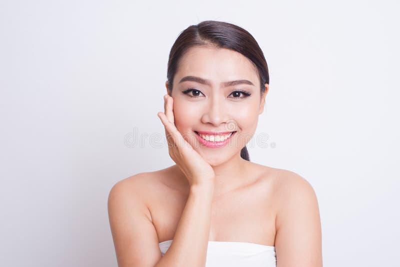 Beaux soins de la peau asiatiques de femme image libre de droits