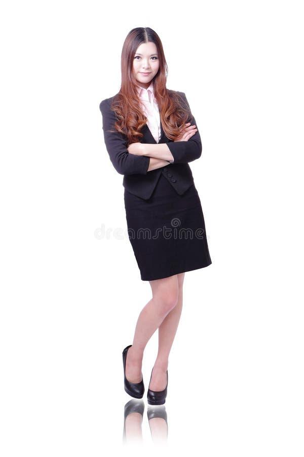 Beaux stand et sourire de femme d'affaires images stock