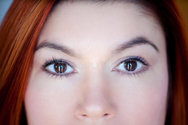 Beaux yeux d'une jeune fille image libre de droits