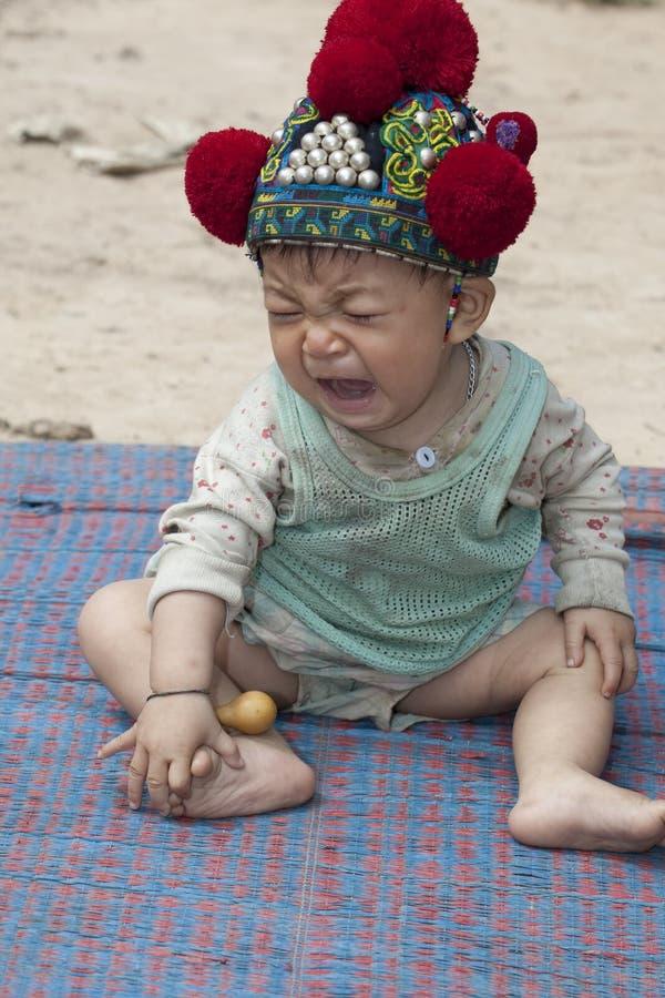 Bebé asiático de Laos, grupo étnico Yao fotografía de archivo libre de regalías