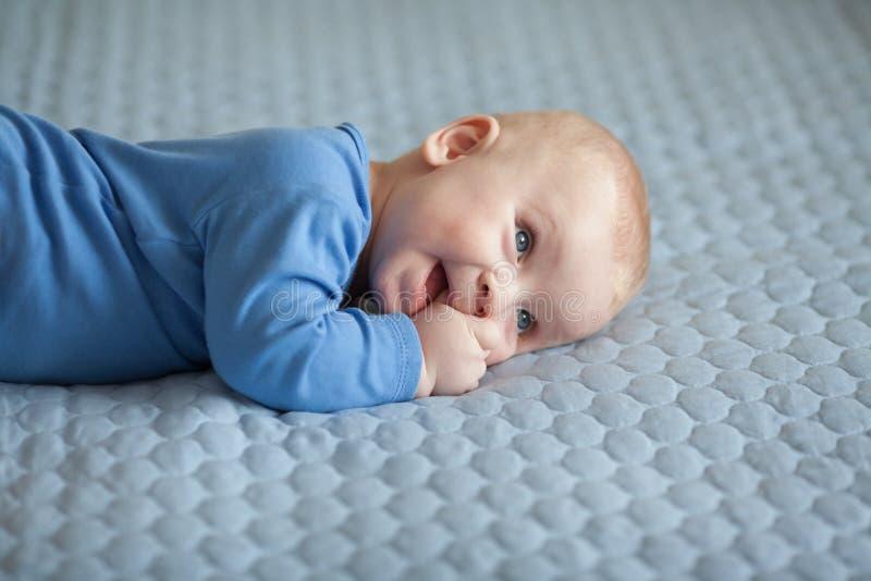 Bebé, bebé lindo, bebé sonriente, niño imagen de archivo libre de regalías