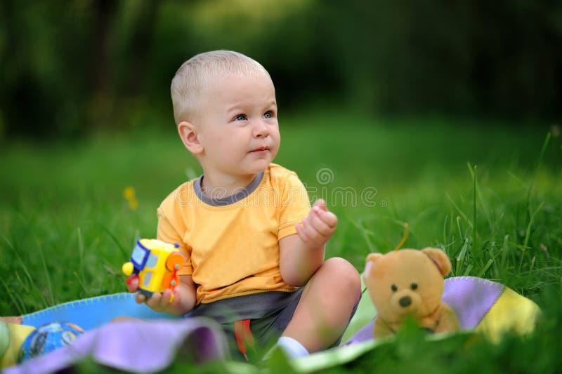 Bebé de la felicidad foto de archivo libre de regalías