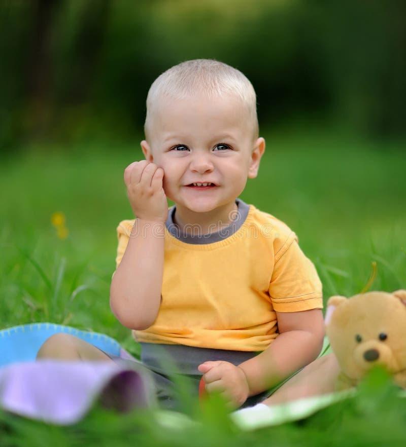 Bebé de la felicidad foto de archivo
