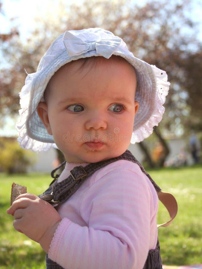 Bebé del césped fotos de archivo libres de regalías