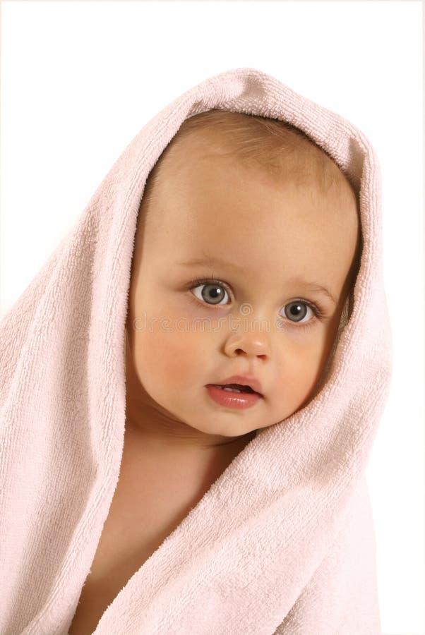 Bebé después del baño foto de archivo